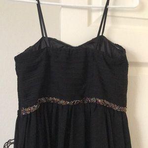 Dresses - Black strapless formal gown
